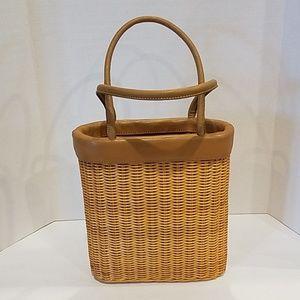 Woven tote handbag